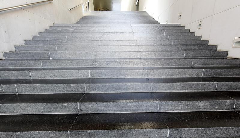 ビル 階段イメージ